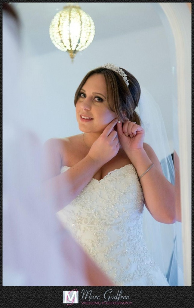 Unmissable-wedding-day-photos-Bridal-details