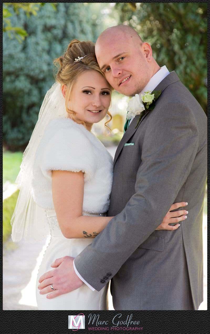 Unmissable wedding day photos- Happy couple