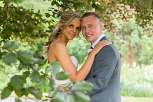 Top tips to help you look your best in wedding photos